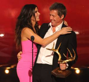 Sandra Bullock préfère peut-être Hugh Grant ?