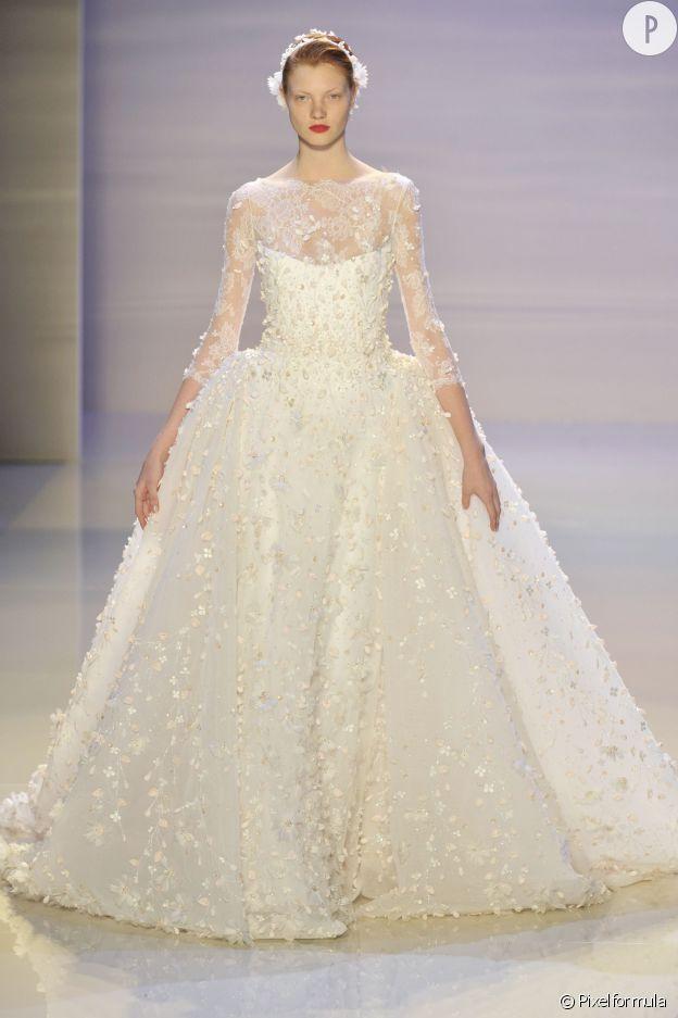 mariage en hiver 10 robes de mari es tendances pour dire oui puretrend. Black Bedroom Furniture Sets. Home Design Ideas