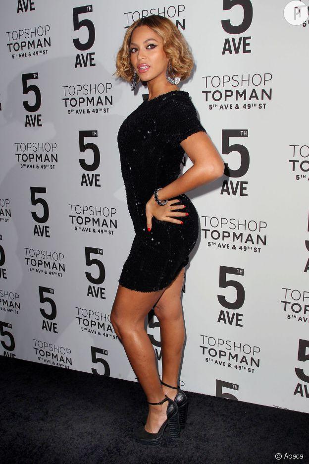 Beyoncé, éblouissante pour un dîner Topshop Topman à New York. Sex-appeal et nouvelle coupe, elle bluffe tout le monde !