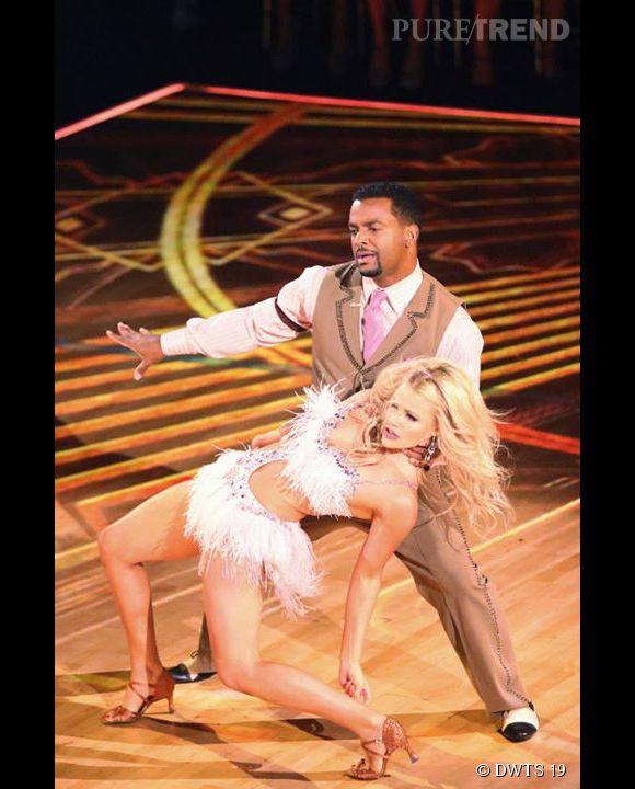 """Alfonso Ribeiro, aka Carlton Banks, le chouchou de """"Dancing with the stars"""" a enfin gagné avec sa partenaire, Witney !"""
