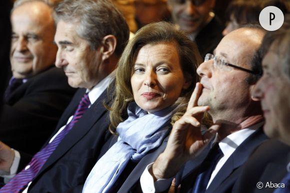 Valérie Trierweiler aux côtés de François Hollande.