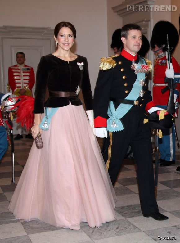 La princesse Mary du Danemark fait sensation en robe tutu rose.