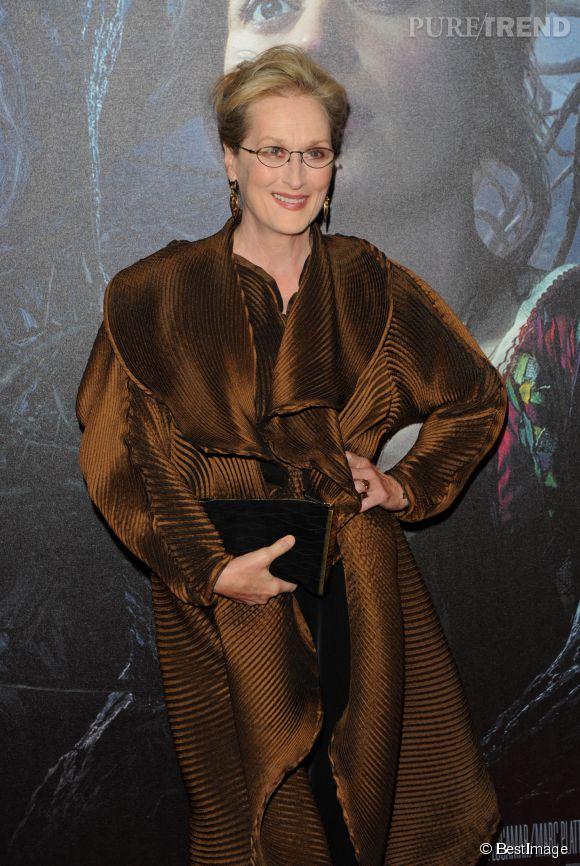 """Meryl Streep n'avait rien d'une sorcière pour l'avant-première londonienne d'""""Into the woods"""", ce 7 janvier 2014."""