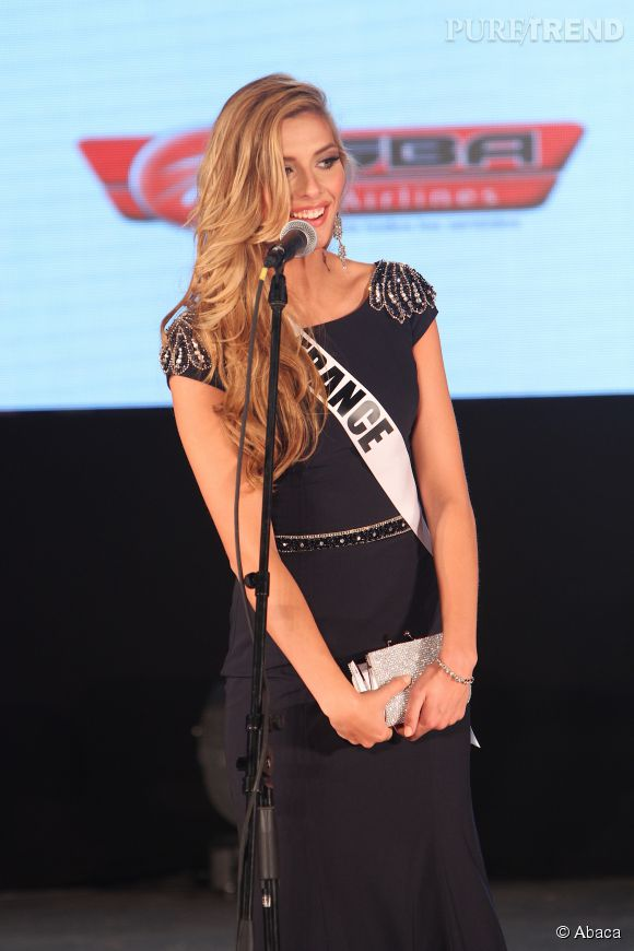 Camille Cerf lors du premier gala de présentation des candidates au concours Miss Univers vendredi 9 janvier 2015.