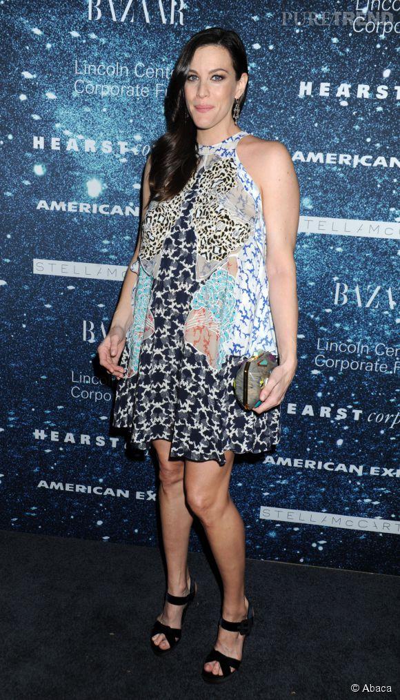 Liv Tyler, enceinte de son deuxième enfant, ne pose pas nue pour un magazine mais sert de muse à Jemima Kirke. Plus original...