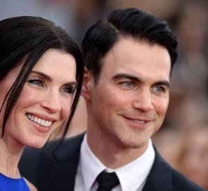 """Julianna Margulies, alias Alicia Florrick dans """"The Good Wife"""", a posé avec son mari, Keith Lieberthal, sur le tapis rouge des SAG Awards."""