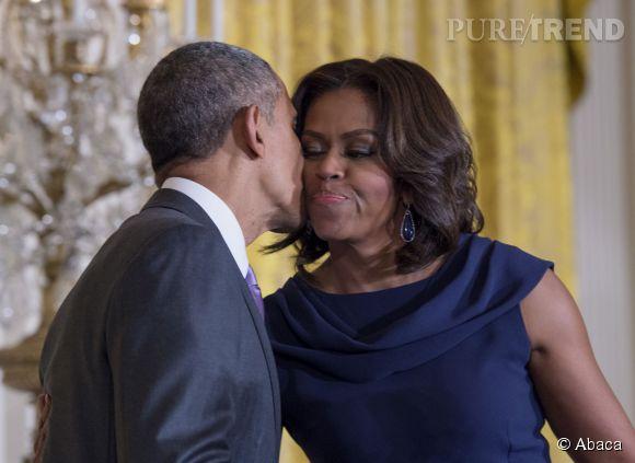 Michelle et Barack Obama vivent l'amour au grand jour. Tant pis pour le protocole !