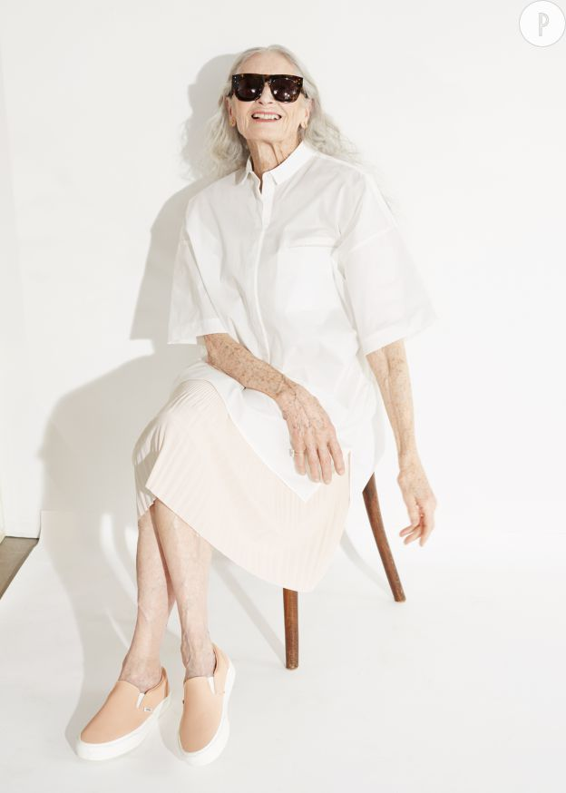 Daphne Selfe, 86 ans, est l'égérie de la capsule & Other Stories x Vans.