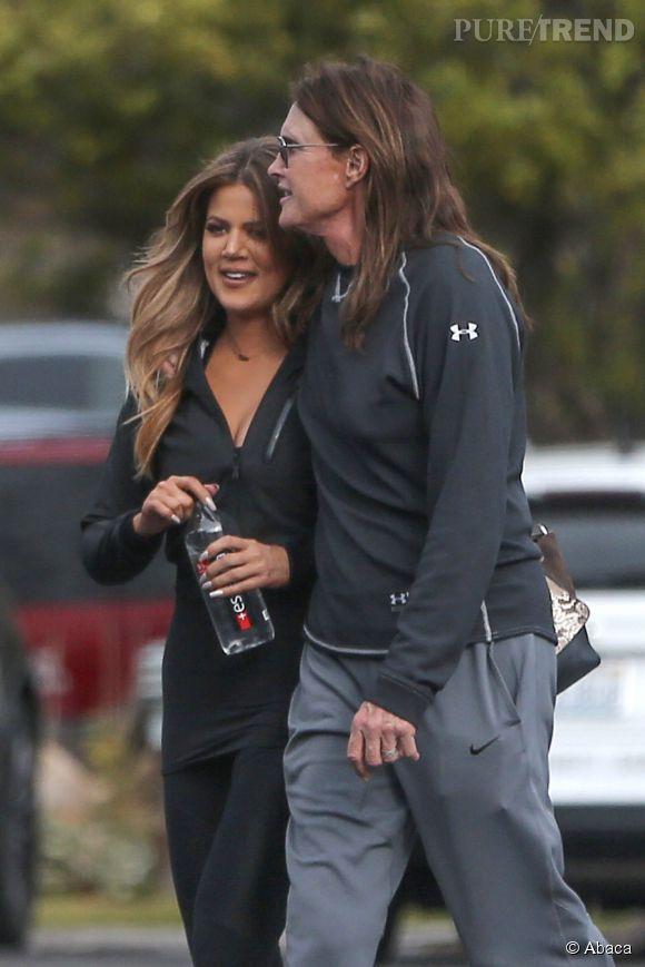 Bruce Jenner a annoncé à sa famille sa transformation en femme. Et si la nouvelle est bien passée, ça coince pour Kris Jenner.