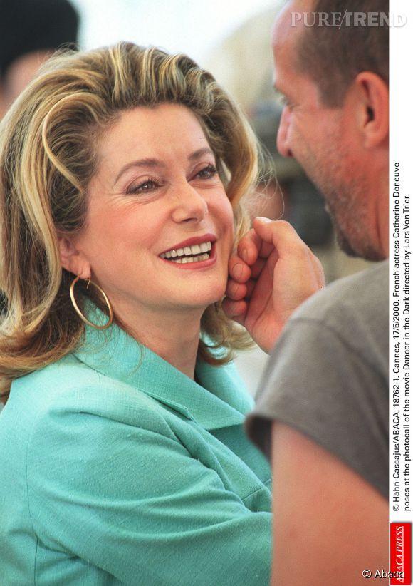 """Catherine Deneuve et Jean-Marc Barr au Festival de Cannes 2000, lors du photocall du film """"Dancer in the Dark"""" de Lars von Trier."""