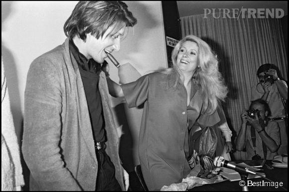 """Catherine Deneuve et Jacques Dutronc au Festival de Cannes en 1979 lors de la conférence du film """"A nous deux""""."""