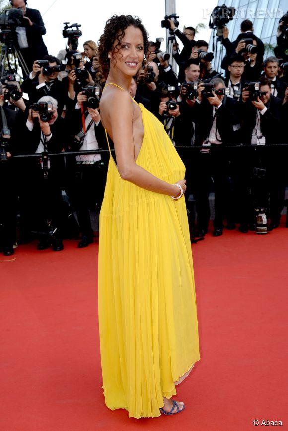 no mie lenoir est resplendissante avec sa robe longue jaune sign e chlo. Black Bedroom Furniture Sets. Home Design Ideas