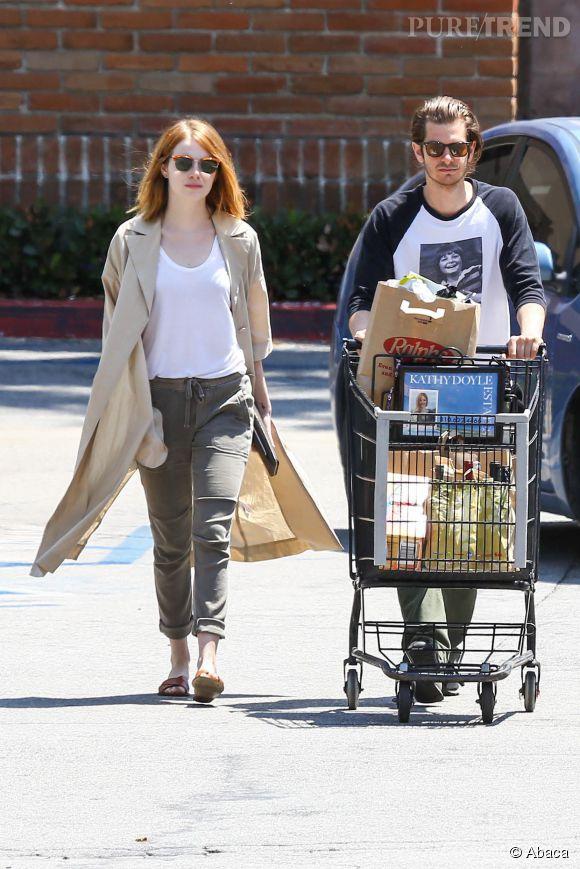 Emma Stone et Andrew Garfield aperçus en train de faire leurs courses le week-end dernier.
