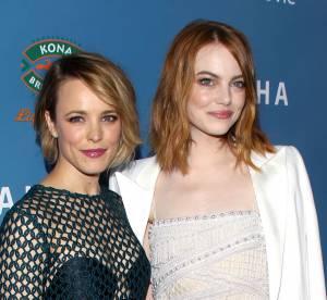 """Emma Stone et Rachel McAdams, resplendissantes pour la première du film """"Aloha"""""""