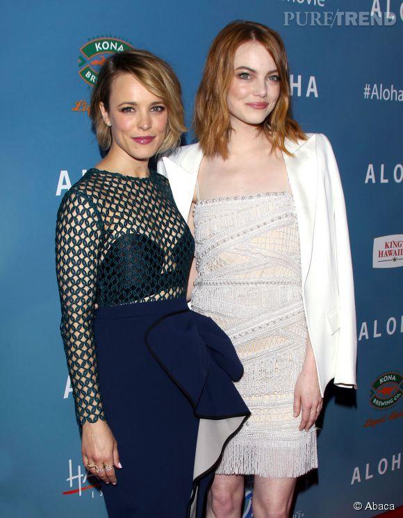 """Emma Stone et Rachel McAdams à la première de leur film """"Aloha"""", à Los Angeles."""