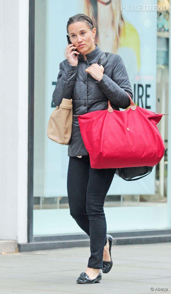 Pippa Middleton méconnaissable dans les rues de Londres le 1er juin 2015.