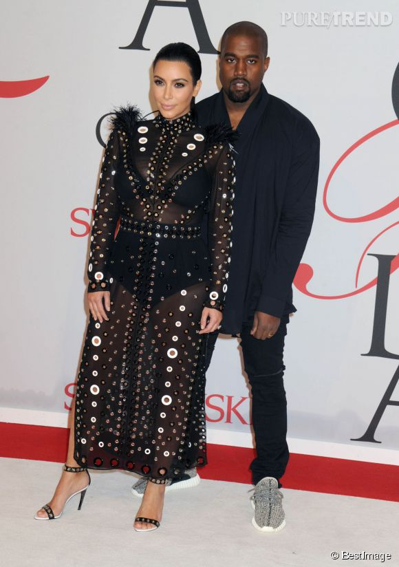 Kim Kardashian (enceinte) et son mari, Kanye West.