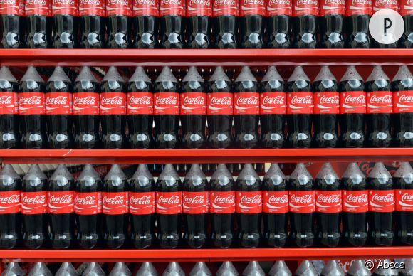 Coca-Cola collabore avec la maison de luxe italienne Trussardi.
