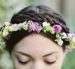 Coiffure de mariée : la couronne de fleurs, stop ou encore ?