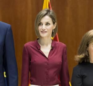 Letizia d'Espagne : jupe fleurie et chemise en soie, la reine se mémérise