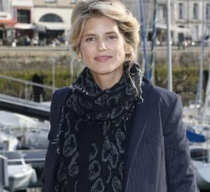 """Alice Taglioni : une beauté naturelle venue présenter la fiction """"L'annonce"""" à La Rochelle."""