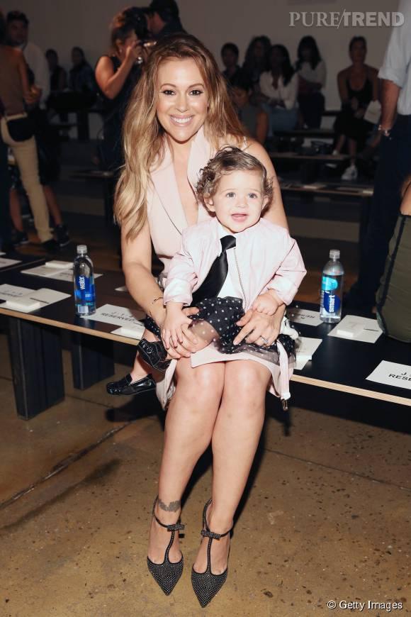 Alyssa Milano et sa petite fille en front row.