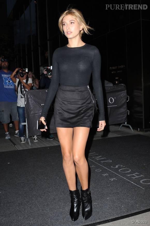 X travestis avec de longues jambes