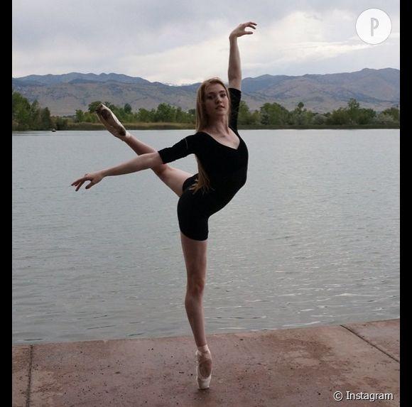 Kylie Jenner met le projecteur sur Gigi Crouch, une jeune femme qui, en dépit de sa scoliose sévère, est devenue danseuse étoile.