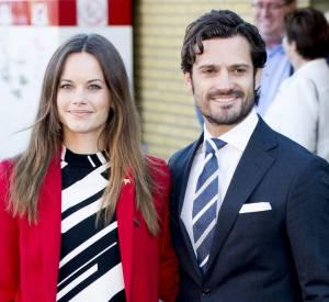 Sofia et Carl Philip de Suède, couple modèle à la rencontre des réfugiés, ce lund 5 octobre 2015.