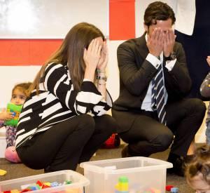 Le couple princier de Suède ne cache pas sa joie de passer un moment avec les enfants.