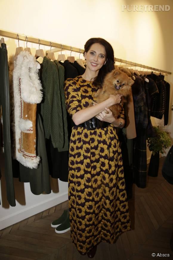Frédérique Bel, une tenue entre été et automne pour l'ouverture de la boutique P.A.R.O.S.H. à Paris.
