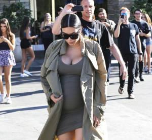 Kim Kardashian : poitrine prête à exploser dans une robe courte ultra moulante