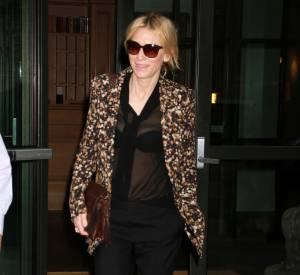 Cate Blanchett peut se targuer de savoir accorder son look.