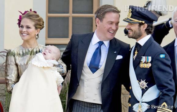 Les parents du jeune Nicolas de Suède, aux anges ce dimanche 11 octobre 2015.