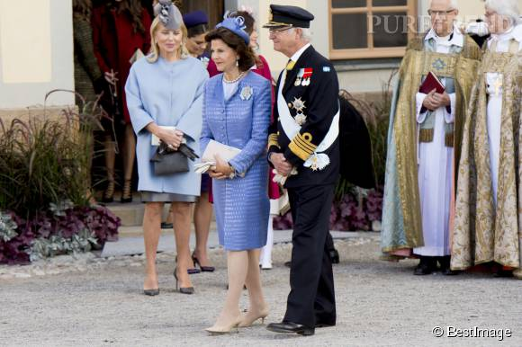 Le roi Carl Gustav et la reine Silvia de Suède lors du baptême du prince Nicolas de Suède, ce dimanche 11 octobre 2015.