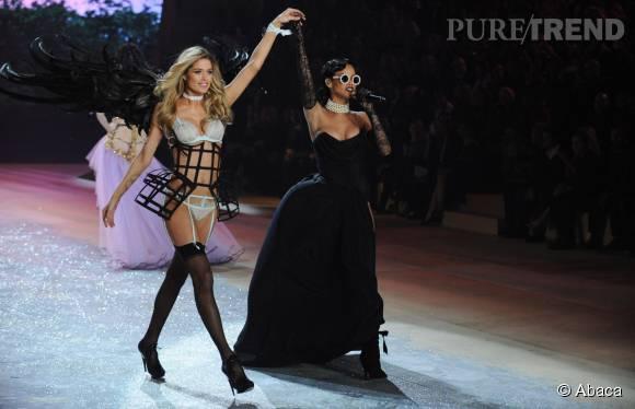 Rihanna animera le show Victoria's Secret 2015 aux côtés de The Weeknd et Selena Gomez.