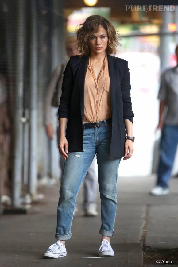 """Jennifer Lopez canon sur le tournage de """" Shades of Blue""""."""