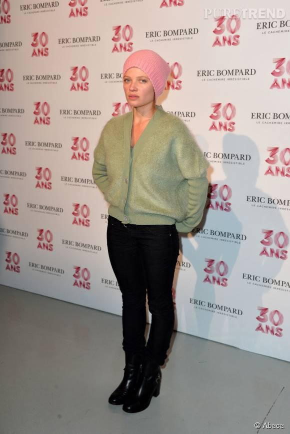 Mélanie Thierry adopte un look beaucoup plus boyish que d'ordinaire.