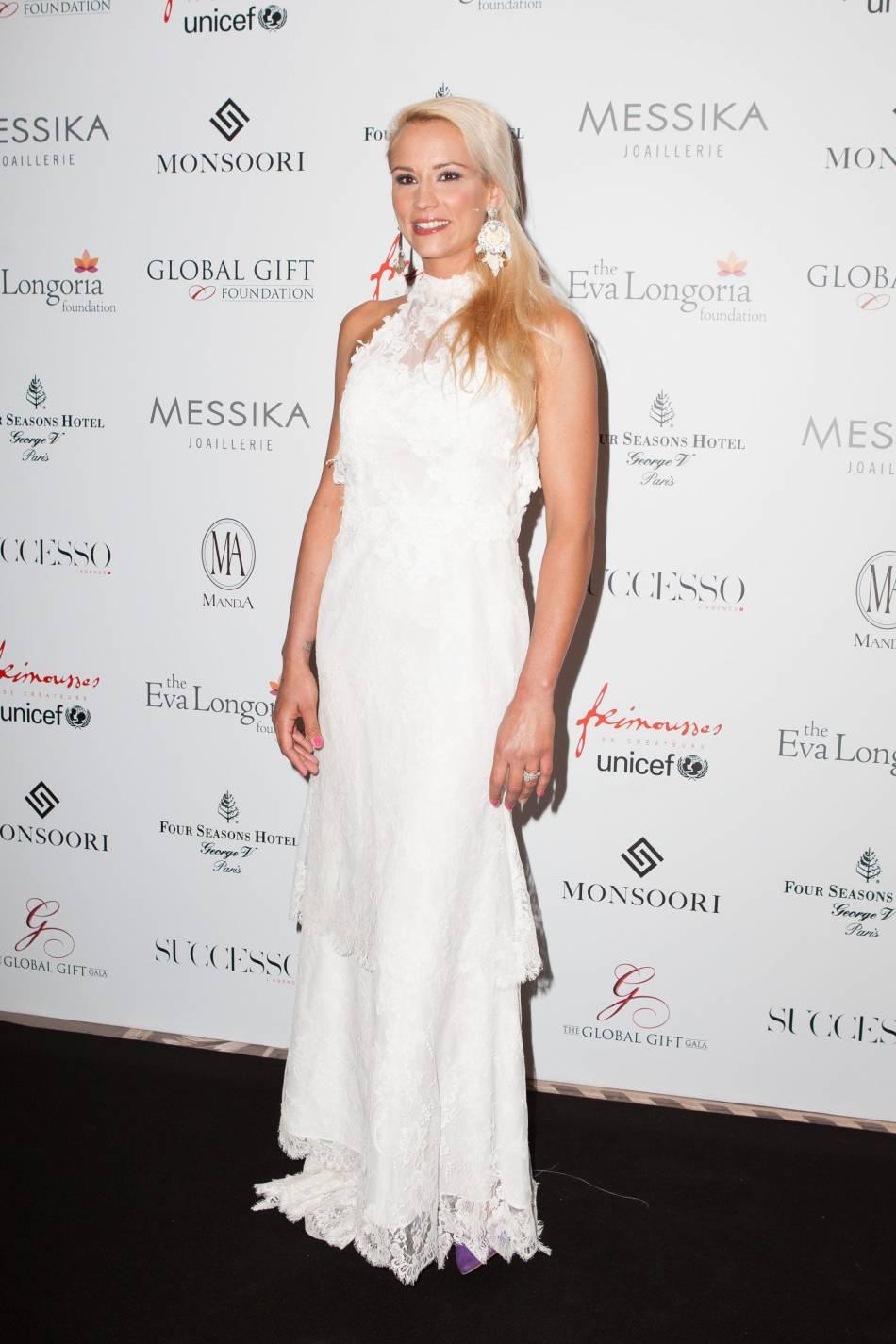 Habituée aux tapis rouges, l'ex Miss France est à couper le souffle !