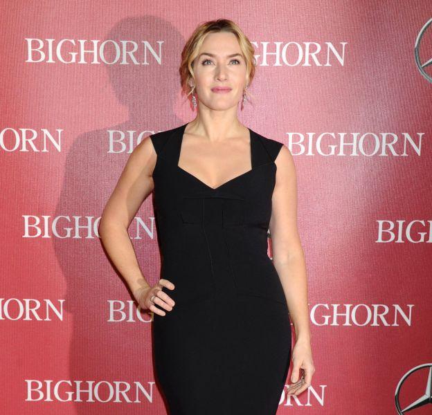 Kate Winslet, radieuse sur le red carpet avec sa robe longue noire.