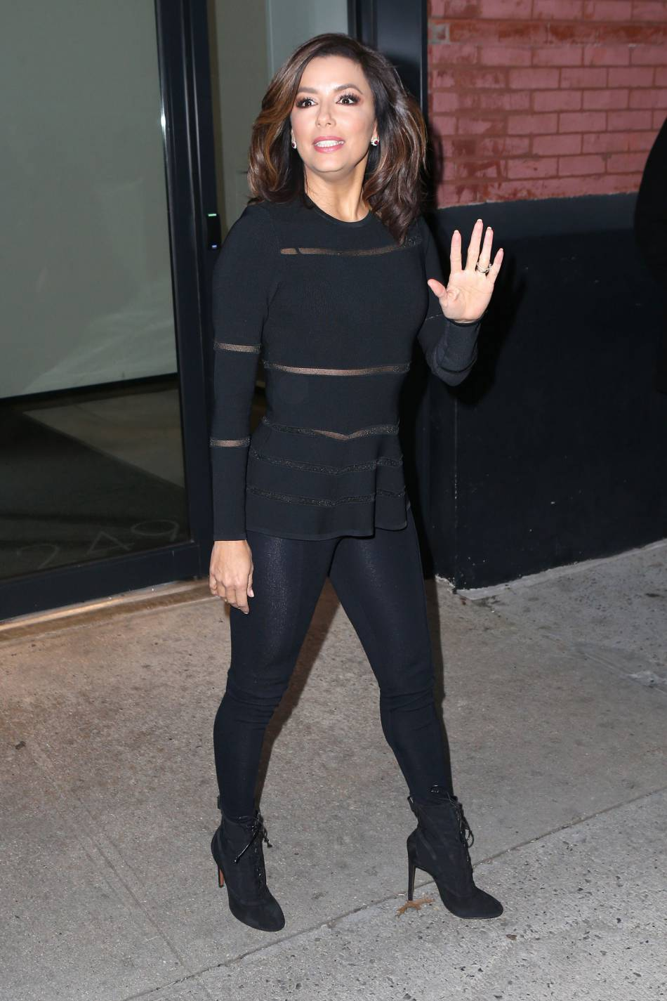 Eva Longoria à la sortie du studio de la chaîne NBC  à New York.