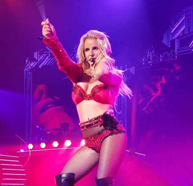 Britney Spears se déhanche comme jamais pour son dernier show à Las Vegas avant une pause bien méritée.