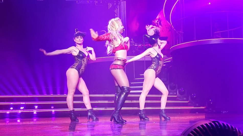 Britney Spears a beaucoup minci et cela se voit. Quelle bombe !