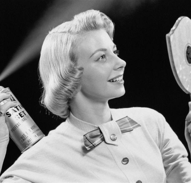 La laque n'est pas utile que pour les coiffures.