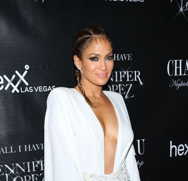 Jennifer Lopez livre les secrets de sa ligne dans un entretien publié par US Weekly.