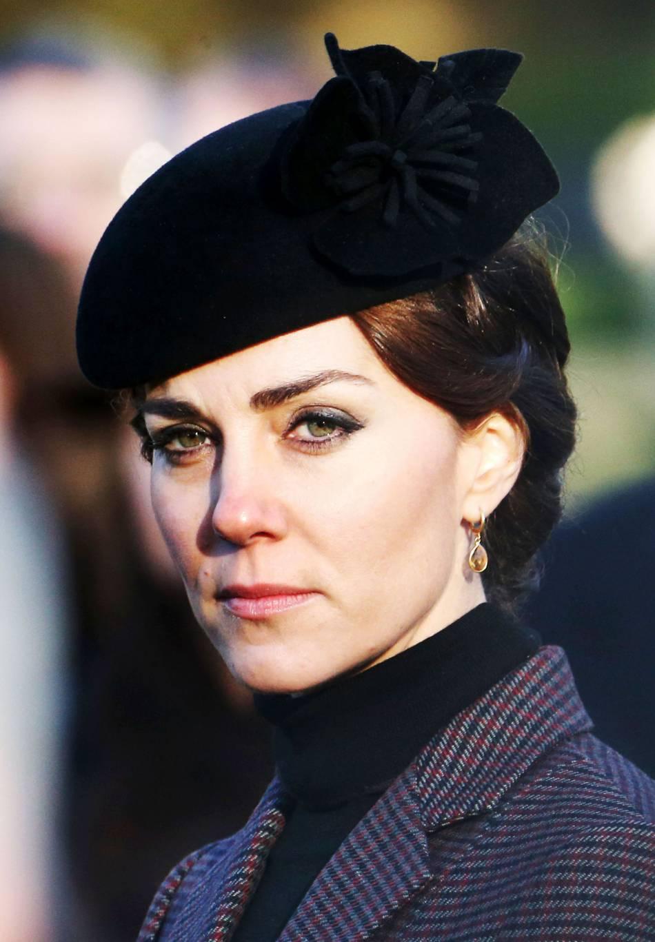 Kate Middleton adopte un look mémérisant pour cette nouvelle cérémonie religieuse à l'église Saint Mary Magdalene de Sandringham.