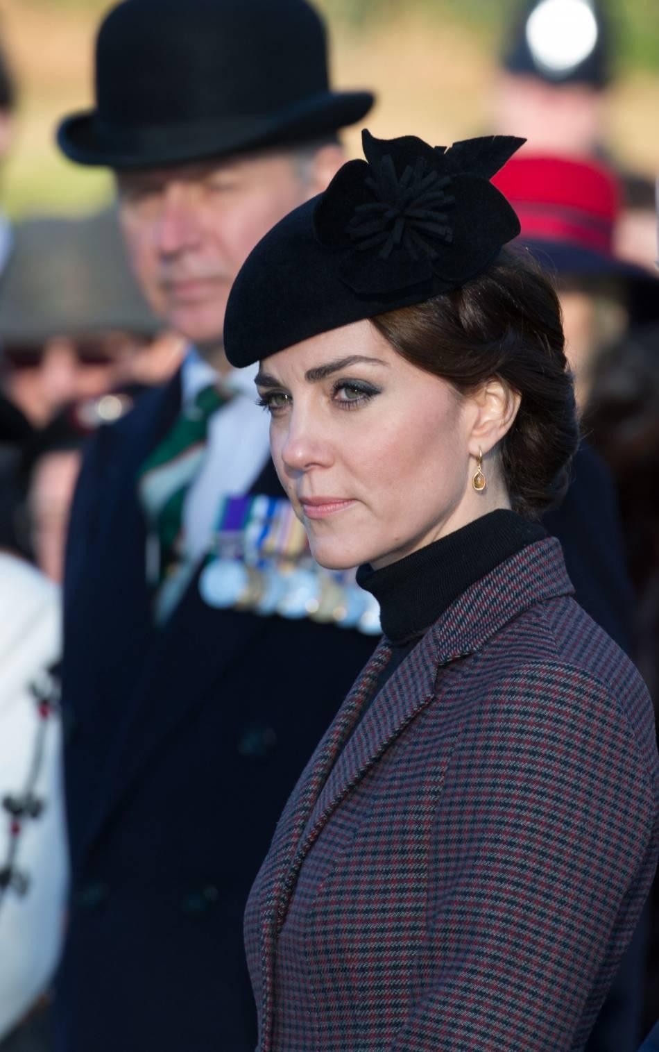 Kate Middleton adopte un bibi qu'elle sort tous les trois jours.