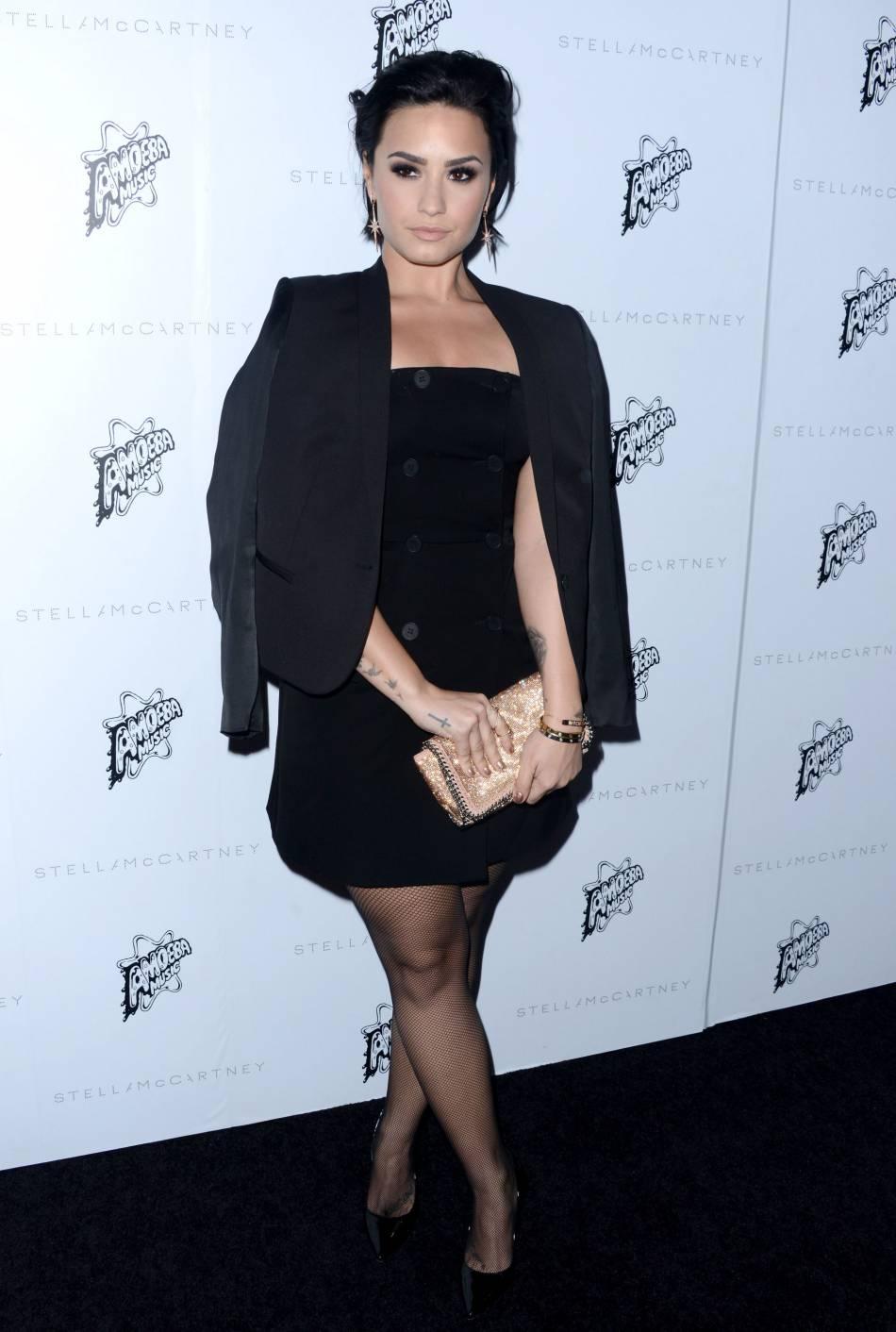 Demi Lovato à la présentation de la collection de l'Automne 2016 de Stella McCartney, à Los Angeles, ce mardi 12 janvier 2016.