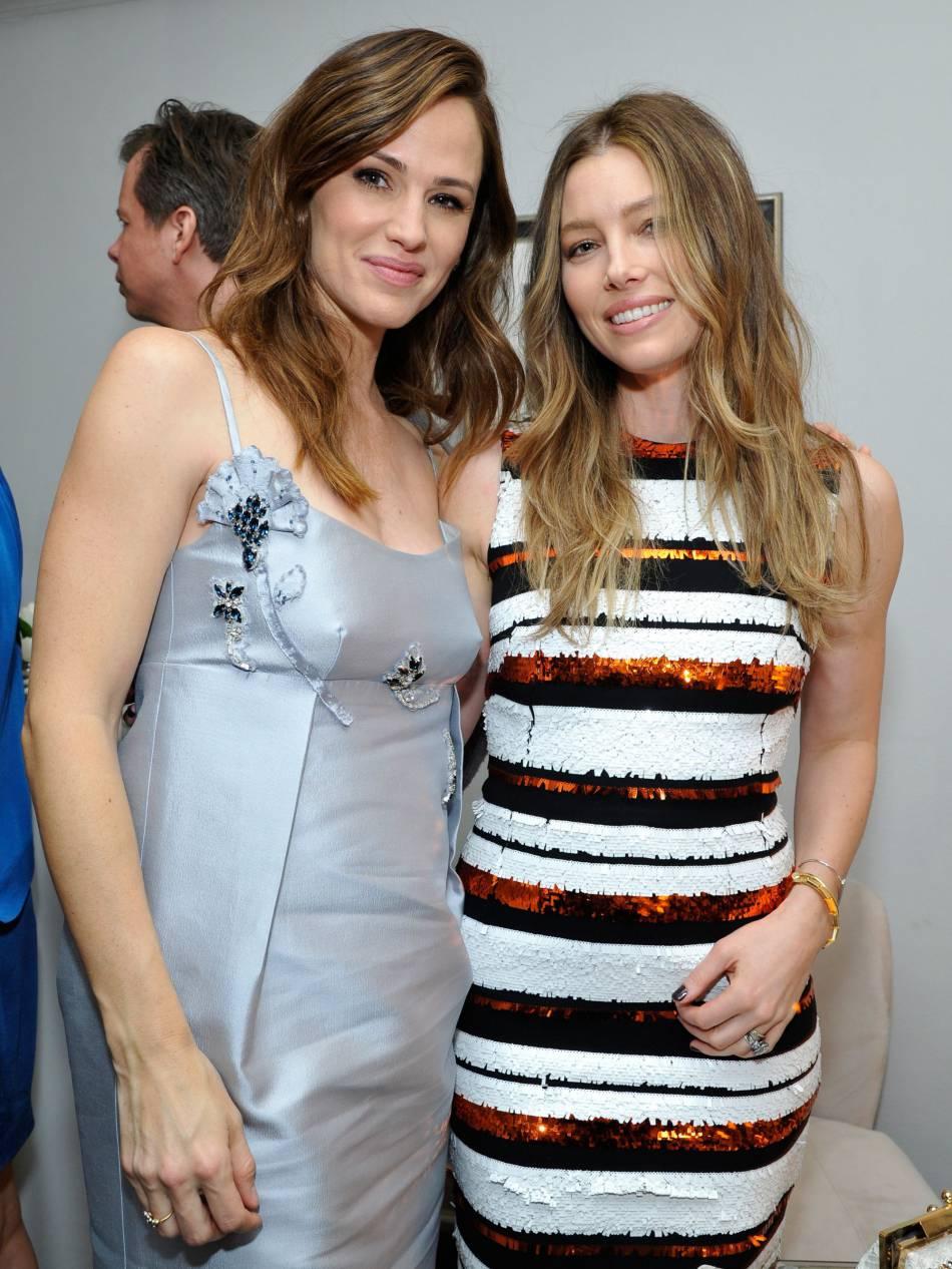 Jennifer Garner et Jessica Biel deux stars capillairement comblées.