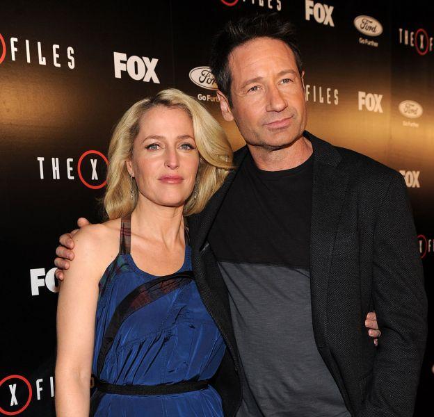 """Gillian Anderson aux côtés de David Duchovny, mardi lors de la première de """"X-Files"""", à Los Angeles."""